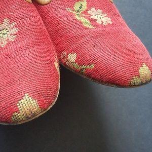 Zalo Shoes - ZALO Red Floral Needlepoint Smoking Flats 7.5